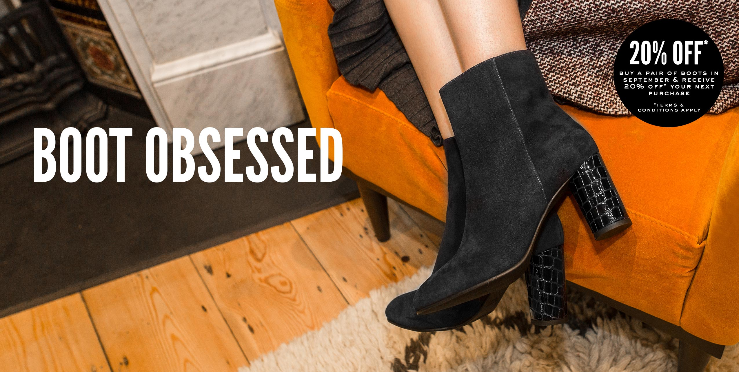 the black ankle boot